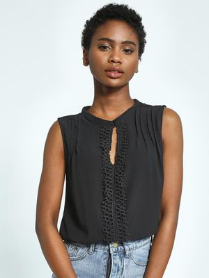 Privy League Crochet Lace Panel Sleeveless Top