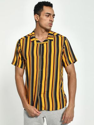 KOOVS Vertical Stripe Cuban Collar Shirt