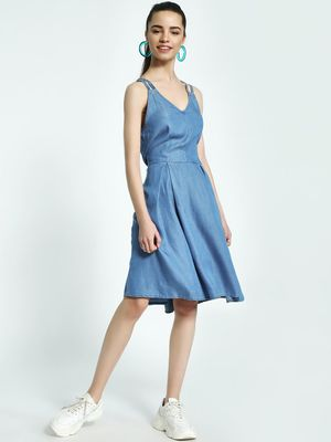 Sbuys Cross-Back Strappy Midi Denim Dress