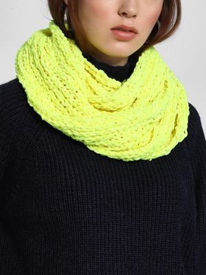 Funky Fish Cable-Knit Round Scarf