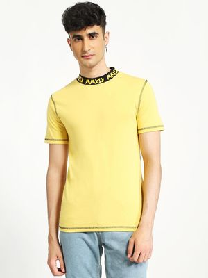 KOOVS Text Print Contrast Neck T-Shirt