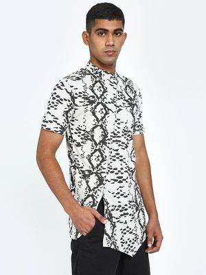 Kultprit Abstract Print Asymmetric Hem Shirt