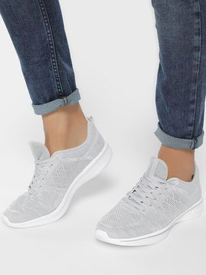 Peak Mesh Knit Panelled Running Shoes