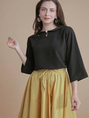 D'BASIC Collar Keyhole Front Blouse