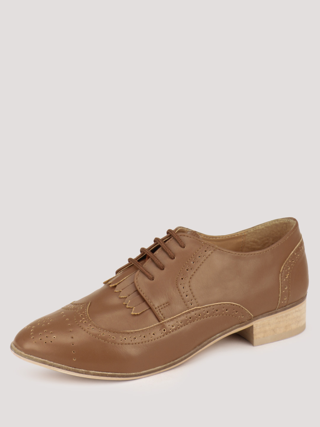 INARA Tan Brogues With Kiltie Fringe 1