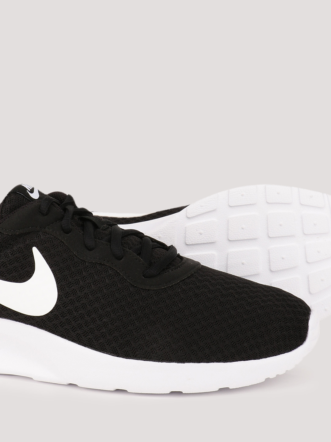 latest discount where to buy outlet online Buy Nike Black/White Tanjun Trainers for Men Online in India