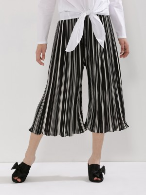 ORIGAMI LILY Pleated Culottes...