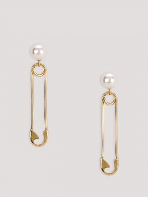 ERISTONA Pearl Earrings...