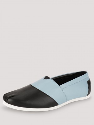 TREAD Slip Ons With Contrast P...