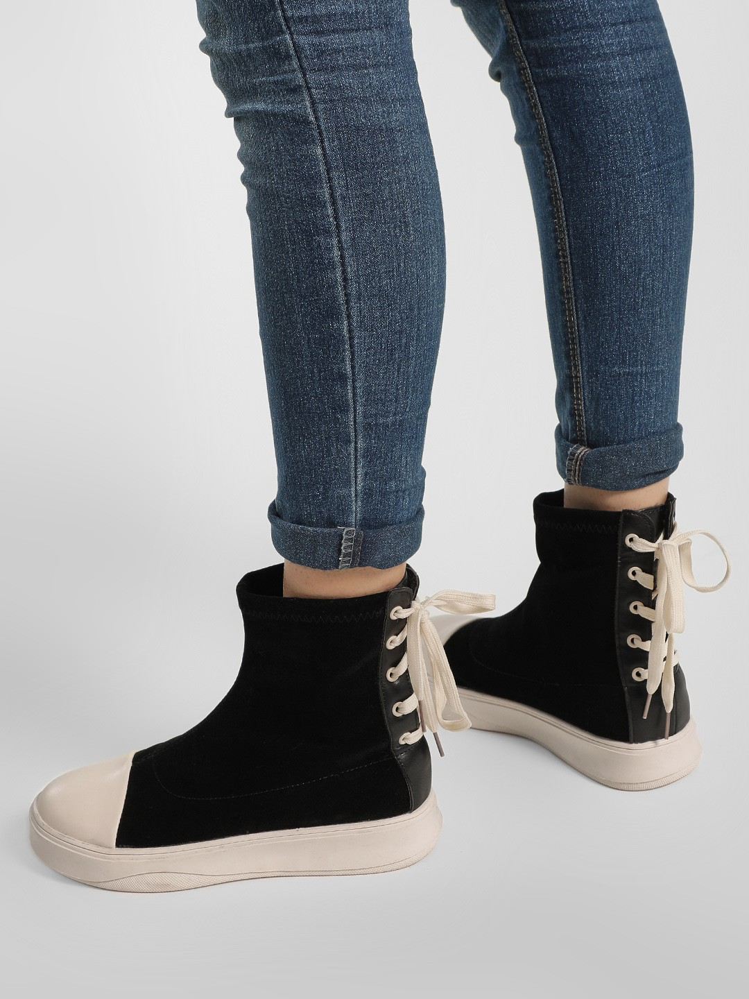 No Doubt White Chunky Sole Suede Finish Boots 1